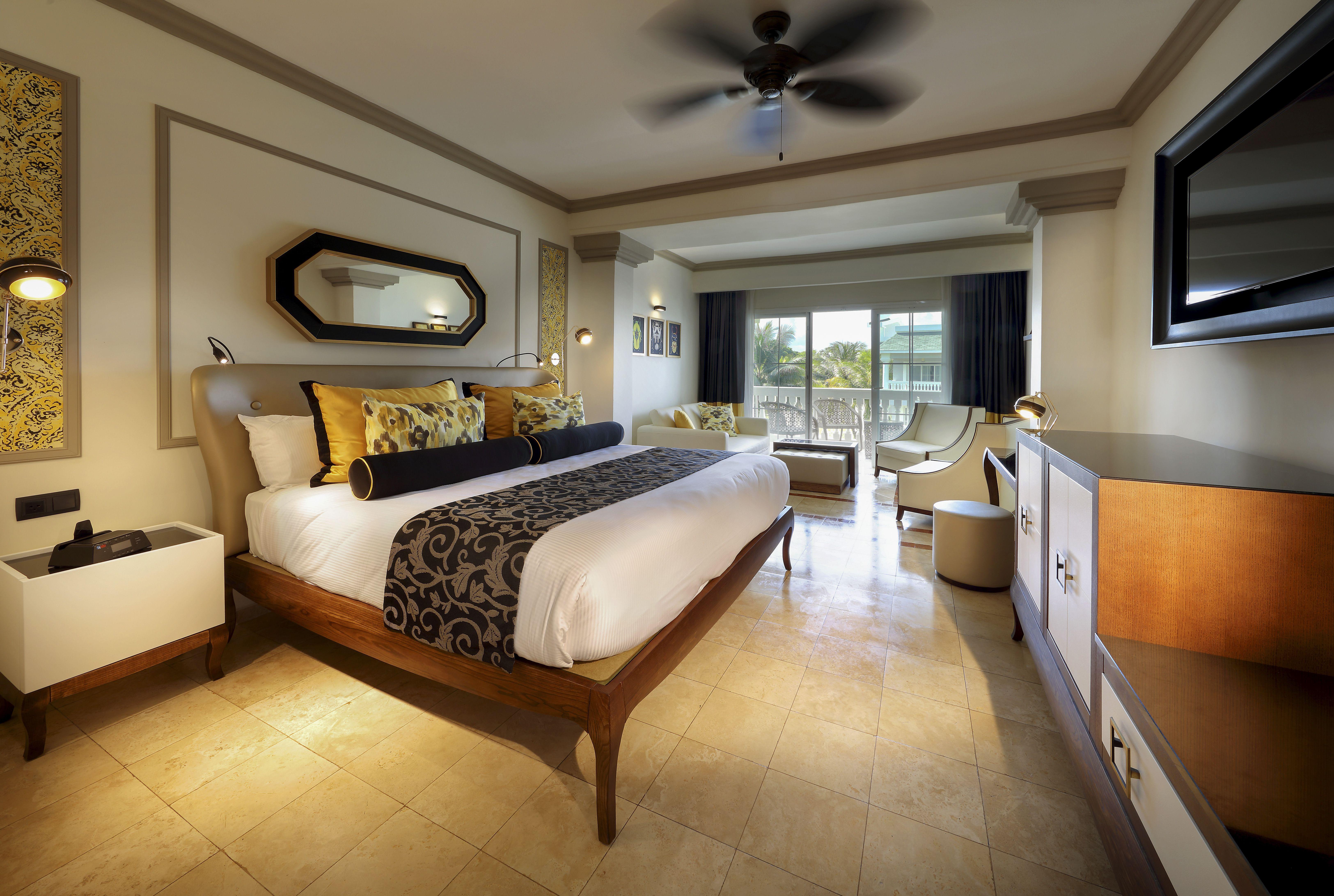 Grand Palladium Lady Hamilton room Jr Suite Jamaica All Inclusive Resort